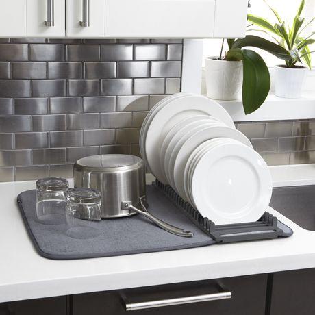 umbra udry egouttoir a vaisselle et tapis de sechage en microfibre leger pliable et facile a ranger pour economiser de l espace 61 x 46 cm