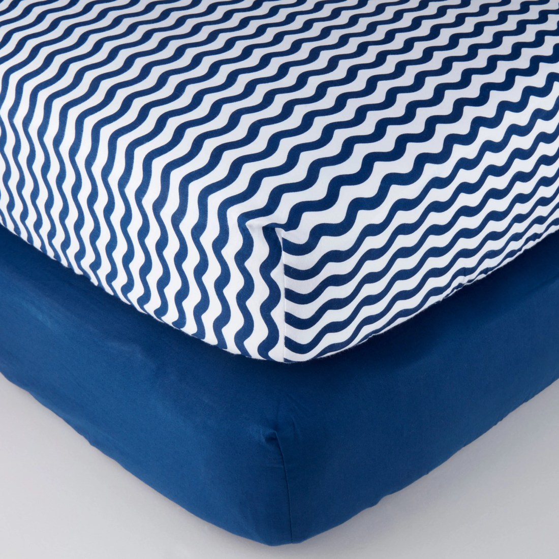 Parent's Choice 100% Cotton Fitted Crib Sheets, Navy Chevron 2pk