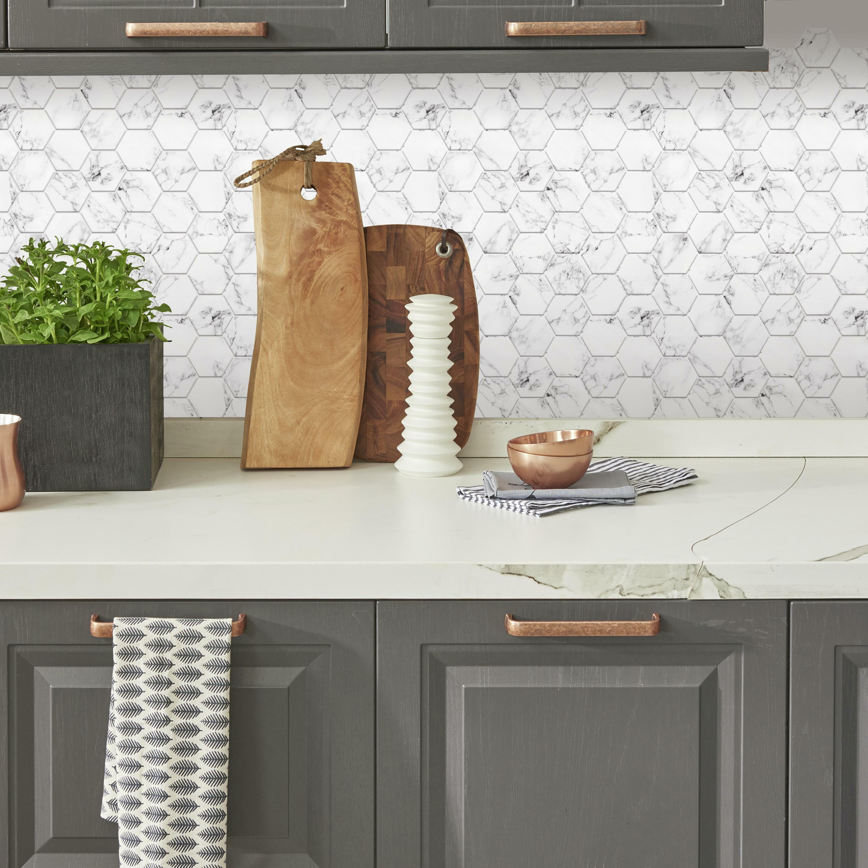 roommates black and white carrara marble hexagon peel and stick backsplash 4 pack 10 5 x 10 5 per tile