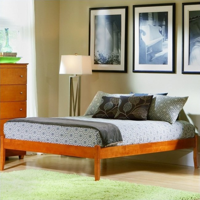 Atlantic Furniture Concord Platform Bed with Open Footrail in Caramel Latte-Twin