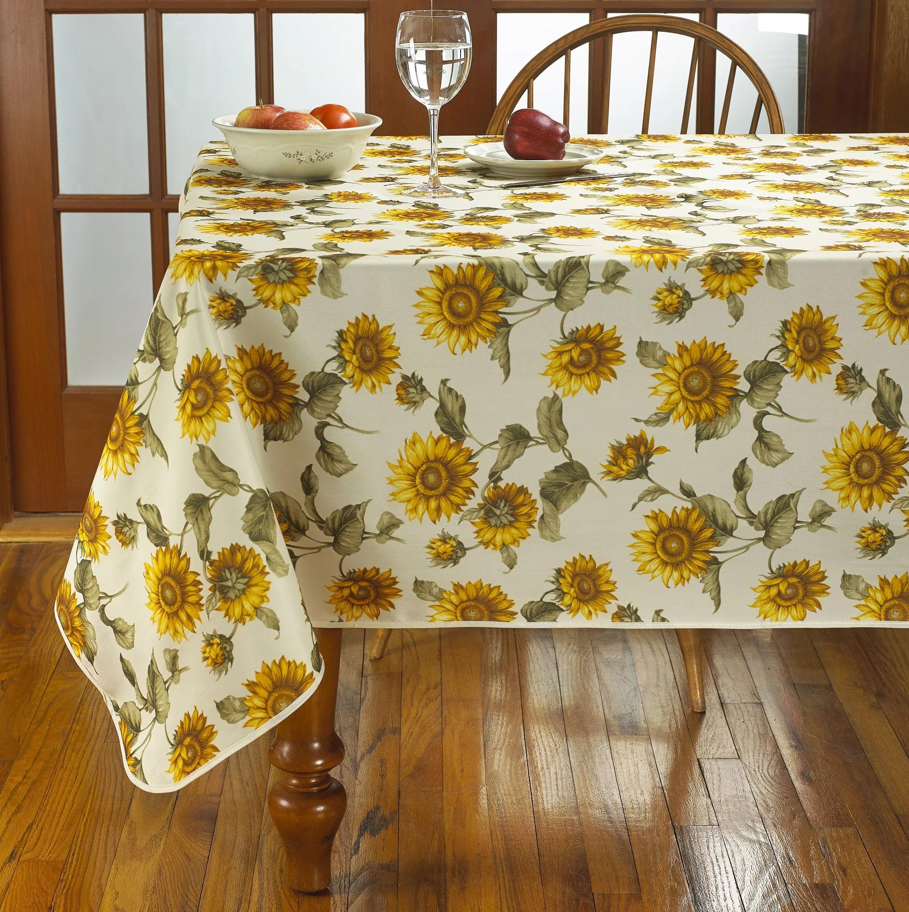 Classic Euro Sunflower Tablecloth With Large Sunflowers