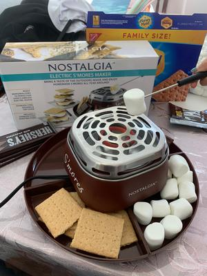 nostalgia smm200 indoor electric stainless steel s mores maker