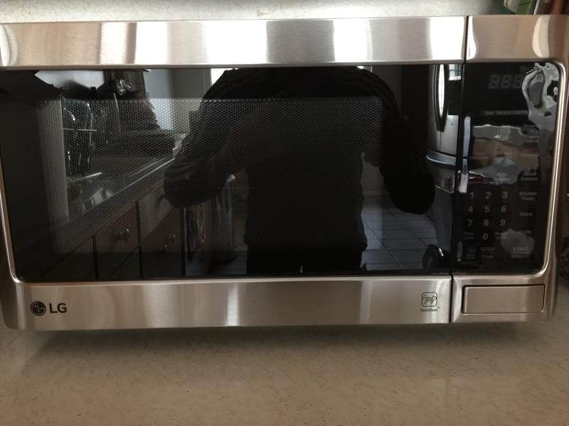 lg lcs1112st microwave oven freestanding 1 1 cu ft 1000 w stainless steel
