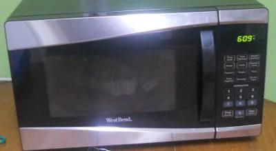 west bend 0 9 cu ft 900 watt microwave