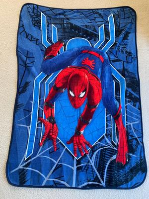 marvel spider man 46 x 60 plush throw 1 each