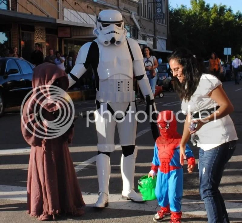 Storm Trooper and Jawa