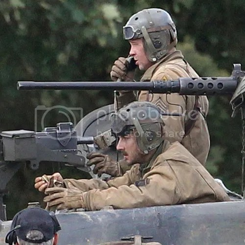 photo Brad-Pitt-Shia-LaBeouf-Fury-Set-London.jpg