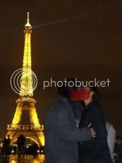 Censored - DosenGila dan belahan jiwa terbawa arus romantis kota Paris