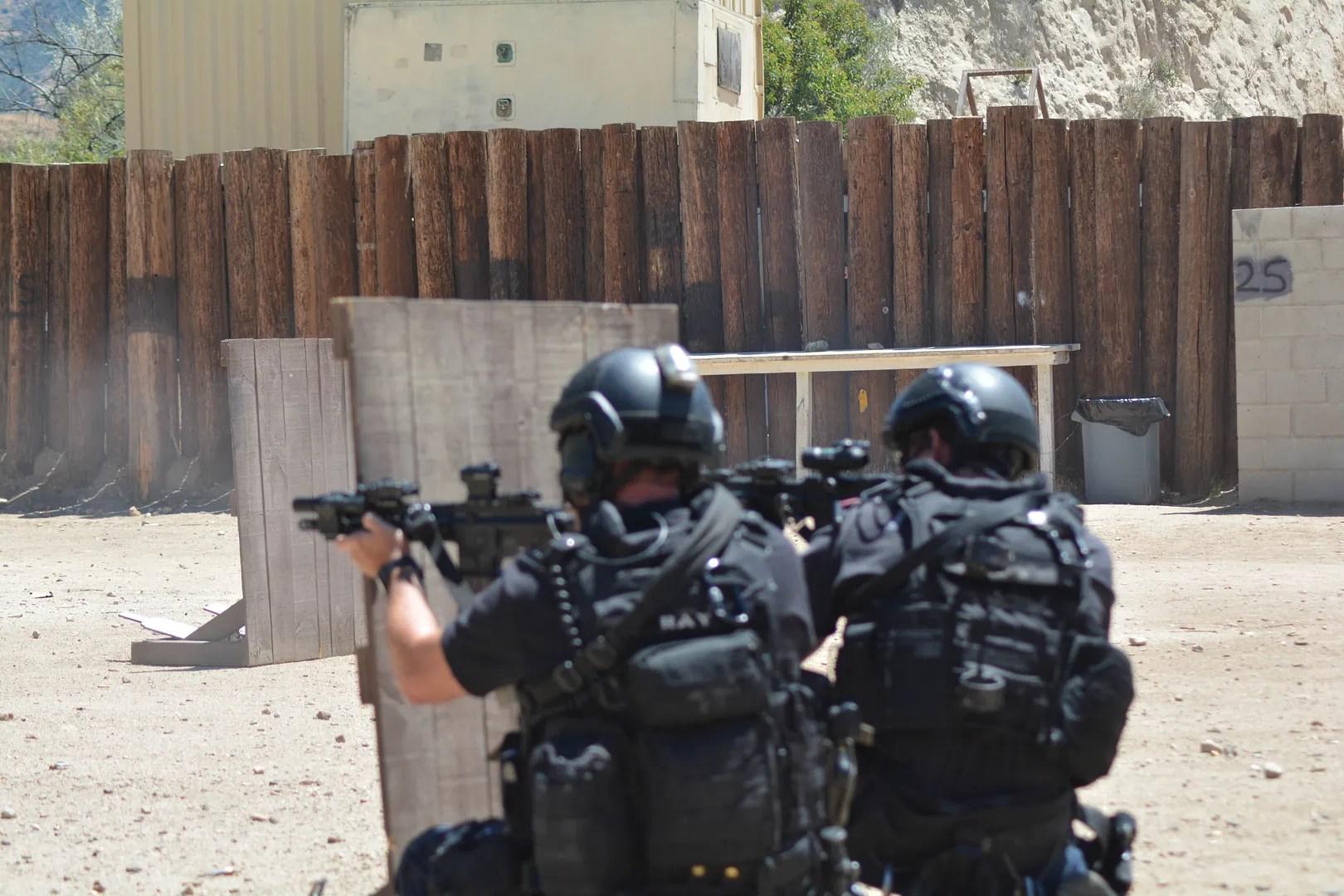 photo LAPD_SWAT_Exercise_16_zpsf3cpcidb.jpg