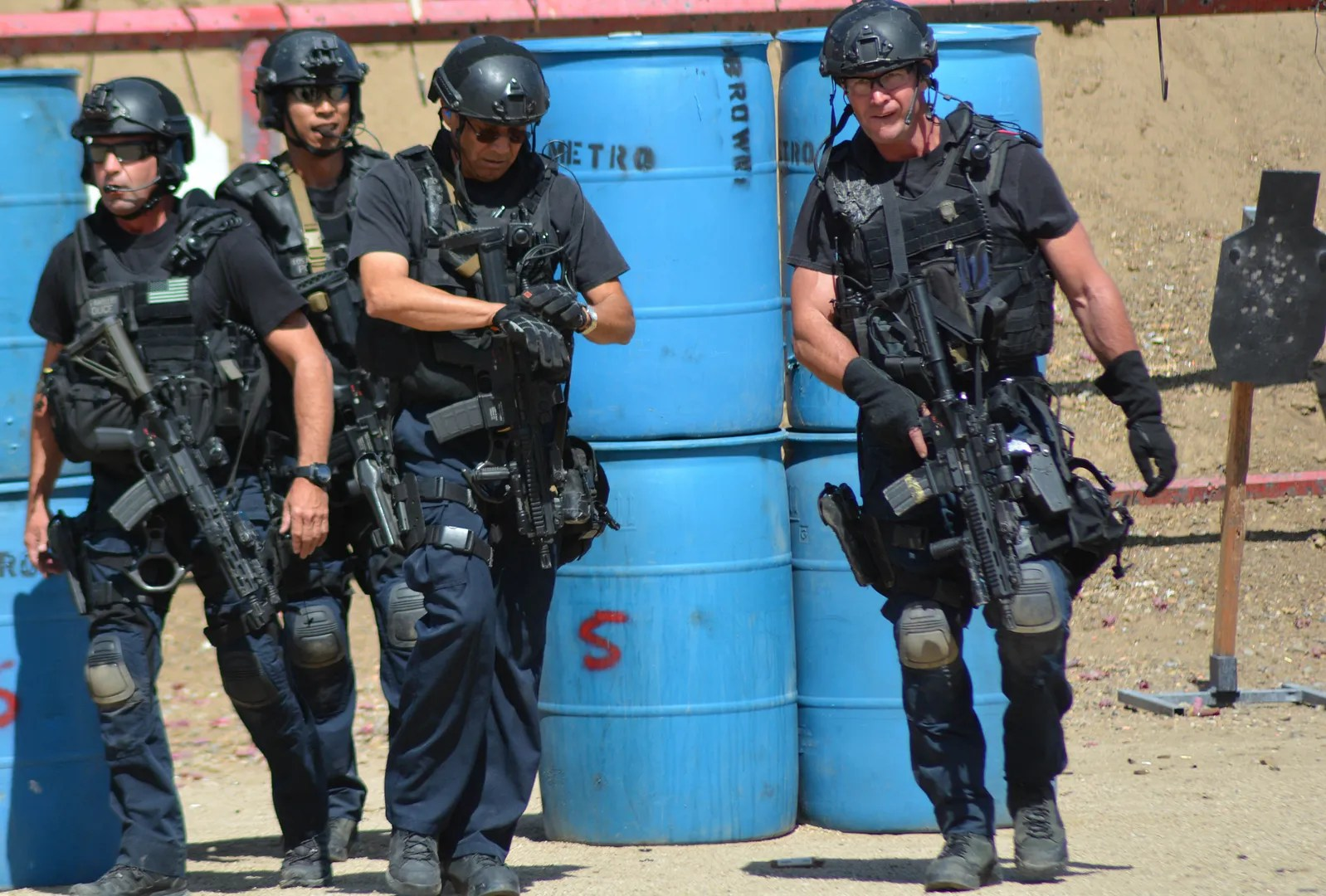 photo LAPD_SWAT_Exercise_1_zpsjmaw00qh.jpg