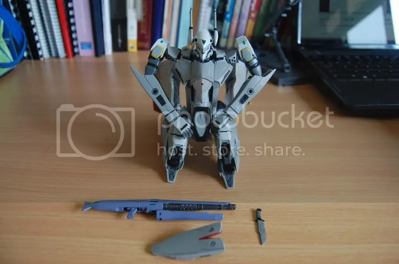 VF-25,Macross frontier,messiah,VF-25S,battroid,variable fighter,mecha,shoji kawamori,gun,shield,knife,valkyrie
