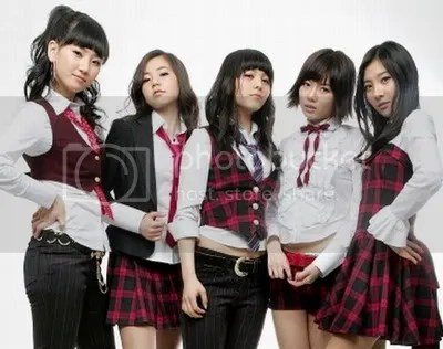 WONDER GIRLS (At the begining with Hyun A)