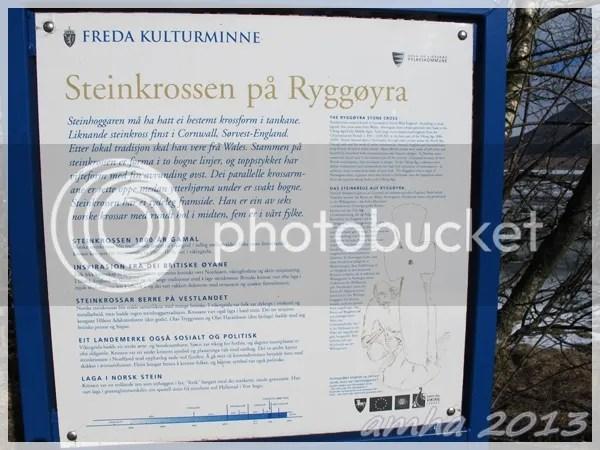 photo IMG_0383_Gloppen_Rygg_Steinkrossen_Ryggoslashyra_kulturminne_zps2ff07d8c.jpg