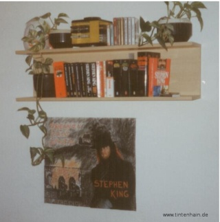 Fotos vom Regal mit den Büchern von Stephen King