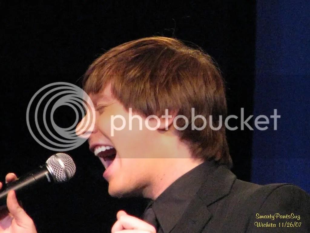 singing photo: Christmas singing 226028957-XL.jpg