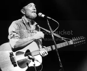 Pete Seeger photo: Pete Seeger 800px-pete_seeger_1986.jpg