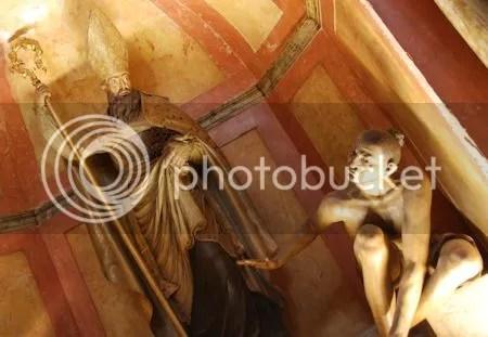 photo DSC_5629ExpresieveBeeldenKathedraalMalaga.jpg