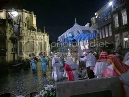 photo WP_20151014_012deStoetAchterCleopatraOpNaarDeGroteKerk.jpg