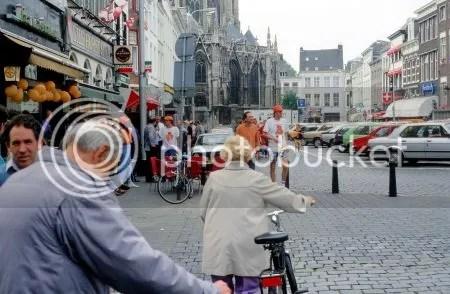 photo 006 - 004OranjegekteGroteMarktBredaParkerenMagNog.jpg