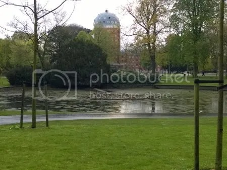 photo WP_20170418_001ValkenbergVijverZonderWater.jpg