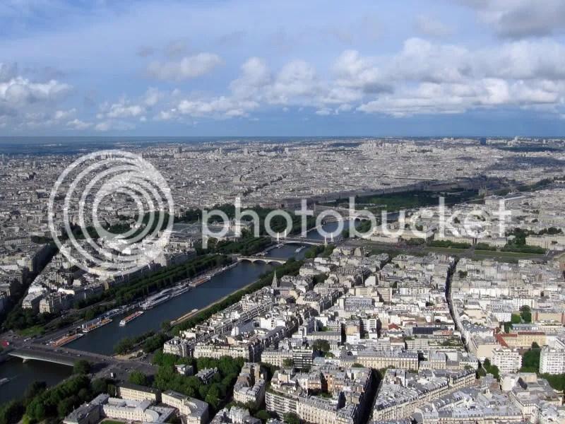 O felie de Paris văzută din Turnul Eiffel