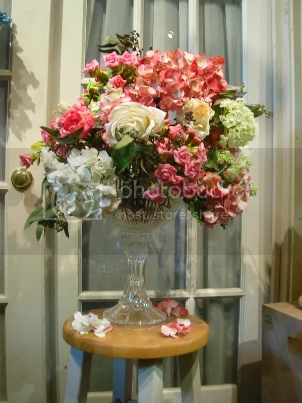 The overall height of the centerpiece is approximatley 2 feet