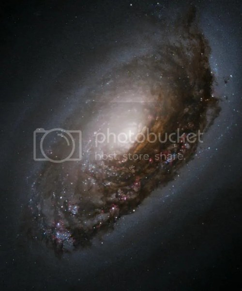"""Dust Band Around the Nucleus of """"Black Eye Galaxy"""" M64"""