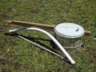 Bass banjo & bow
