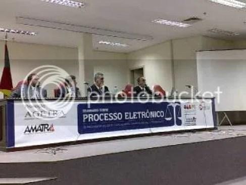 Da esquerda para a direita: Castro, pela AGETRA, Ricardo Fraga, do TRT, Afonso Martha, da AGETRA e Cláudio Brandão pelo TST.