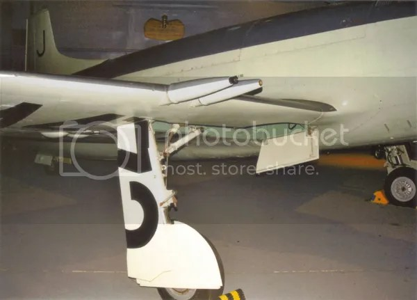 Supermarine Attacker wing