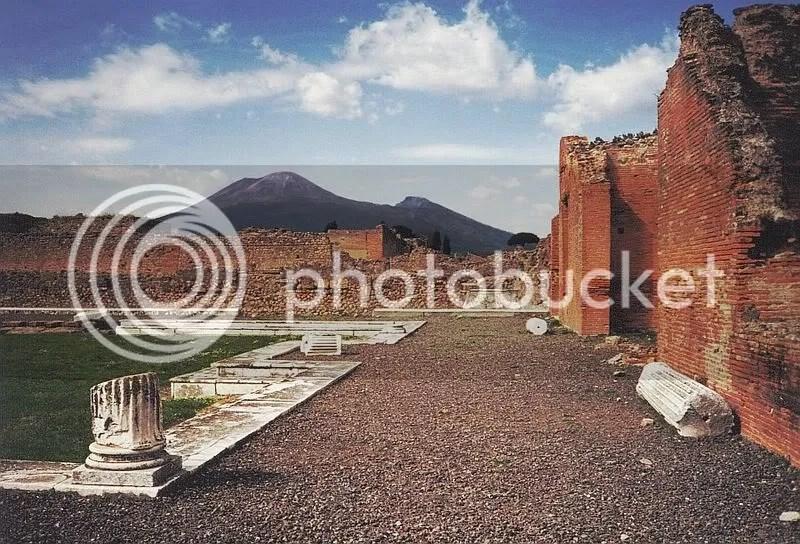 https://i1.wp.com/i624.photobucket.com/albums/tt327/deathnotekira77/800px-Vesuvius_from_Pompeii.jpg
