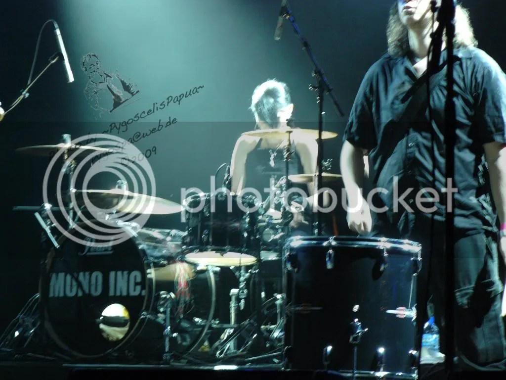 Drummer and duet singer Katha Mia