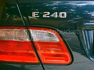 What Che Azizah drove to school on 20 January 2006