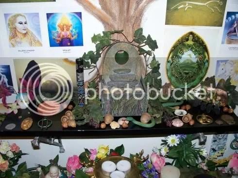 shrine_full_shelf.jpg picture by dreigiau3