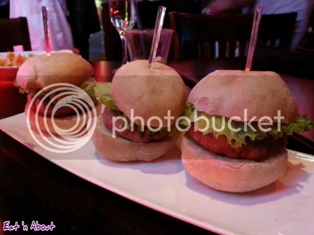 lickerish lounge: Mini Burgers