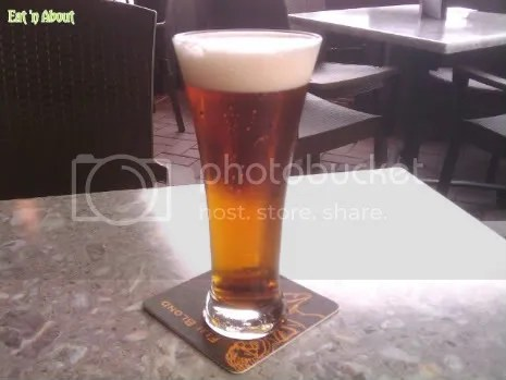 Wings Pub and Grill: domestic beer