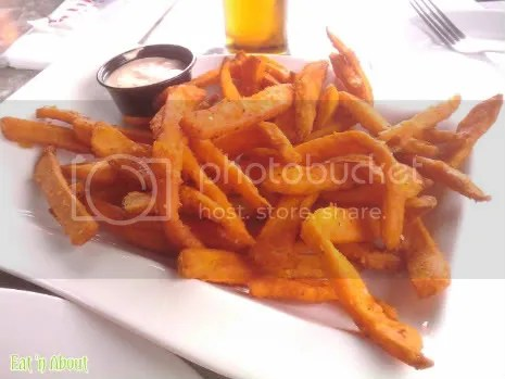 Wings Pub and Grill: Yam Fries