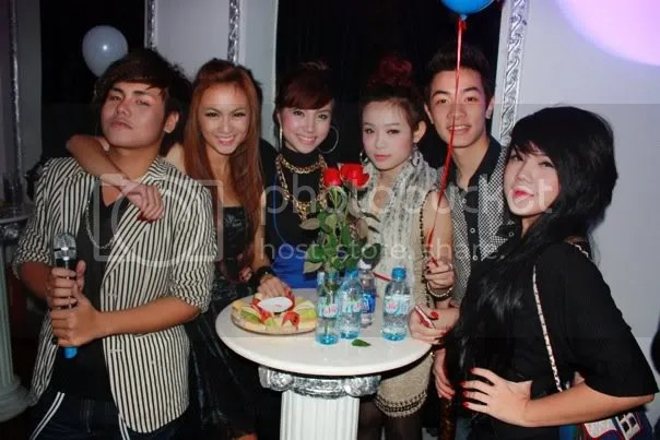 gothic bar,le huynh anh,huyen baby,kelly tu anh,hanh sino,duc anh hugo,luu de ly,party