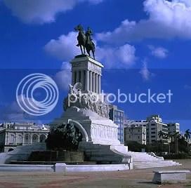 Statue in Havanna, Cuba