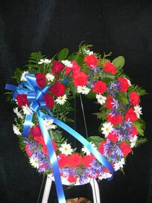 photo Redwhiteandbluewreath.jpg