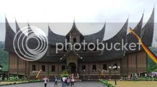 Istana Pagaruyung Sumber Foto : www.google.com