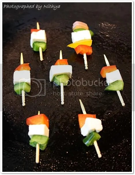 India Partiotic skewers - 50+ Ideas for India Independence Day Party, August 15th - craft, Books, recipes & national symbol craft - Tiger, lotus, mango, banyan tree, peacock crafts
