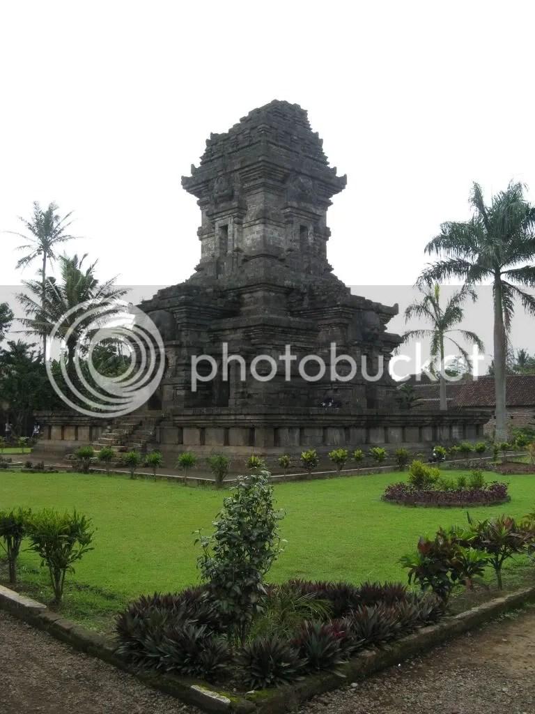 Panataran,Panataran,Java,Java,Sulewesi,Indonesia,Indonesia,market,Bejak,tropic,temple,barbie