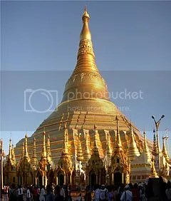 photo 240px-Shwedagon-Pano_zps6f1d2fc9.jpg