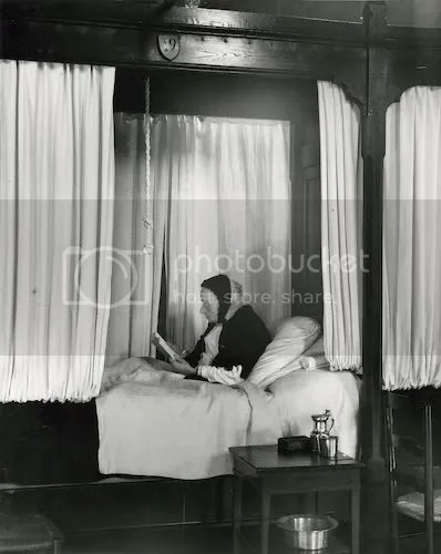 André Kertész: Hospital de Beau