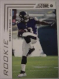 2012 Score Bernard Pierce Photo Variation SP RC