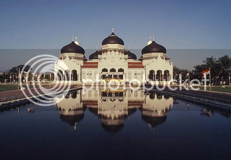 Masjid Baiturrahman Banda Aceh Memiliki  Nilai Historis Tinggi