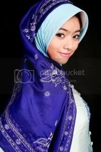 Qory, Putri Indonesia 2009 ketika menggunakan busana muslim