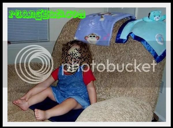 Yuliana Wetmore,  gadis yang terlahir tanpa tulang wajah sehingga  wajahnya tidak berbentuk (Maaf gambar sengaja di Blurkan)