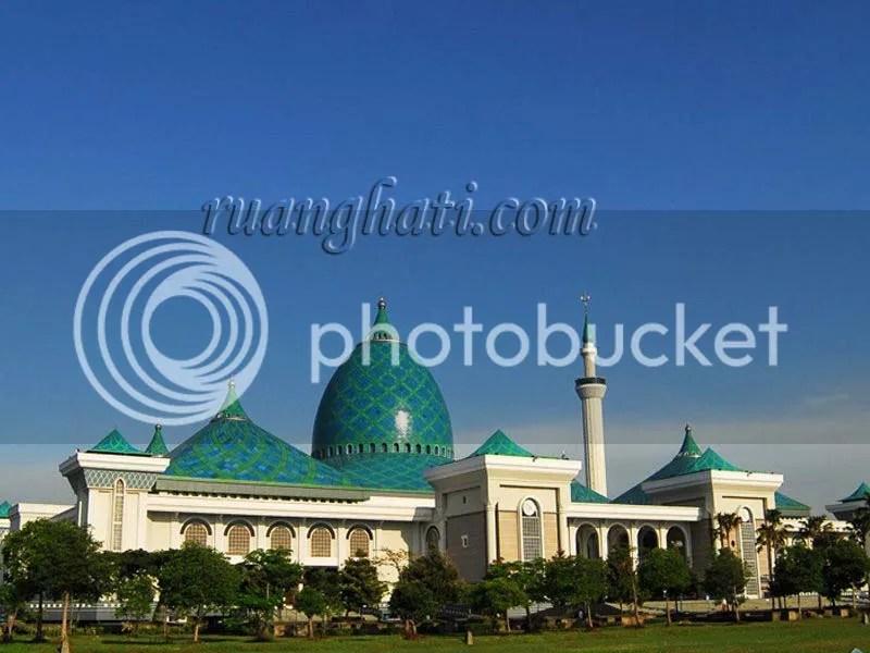Masjid Al-Akbar Surabaya (Masjid Agung Surabaya)
